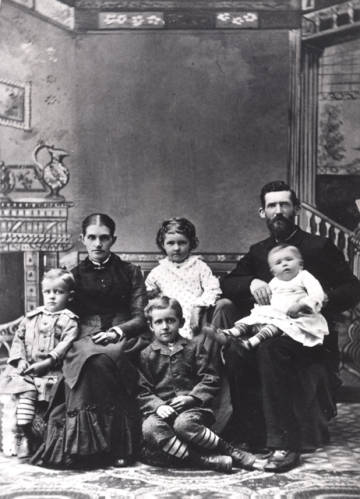 Albert Tomlin with his family around 1884, before the house at Magnolia and Meldrum had been built. (FCHC #H01694.)