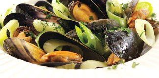 leeks and mussels in cider sauce