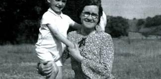 Jim Bowen and his mum