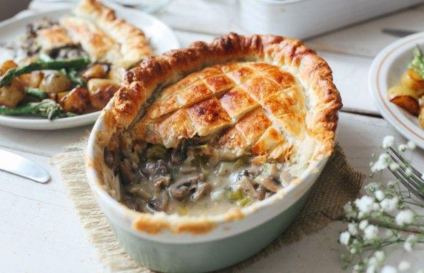 Mushroom and leek pie
