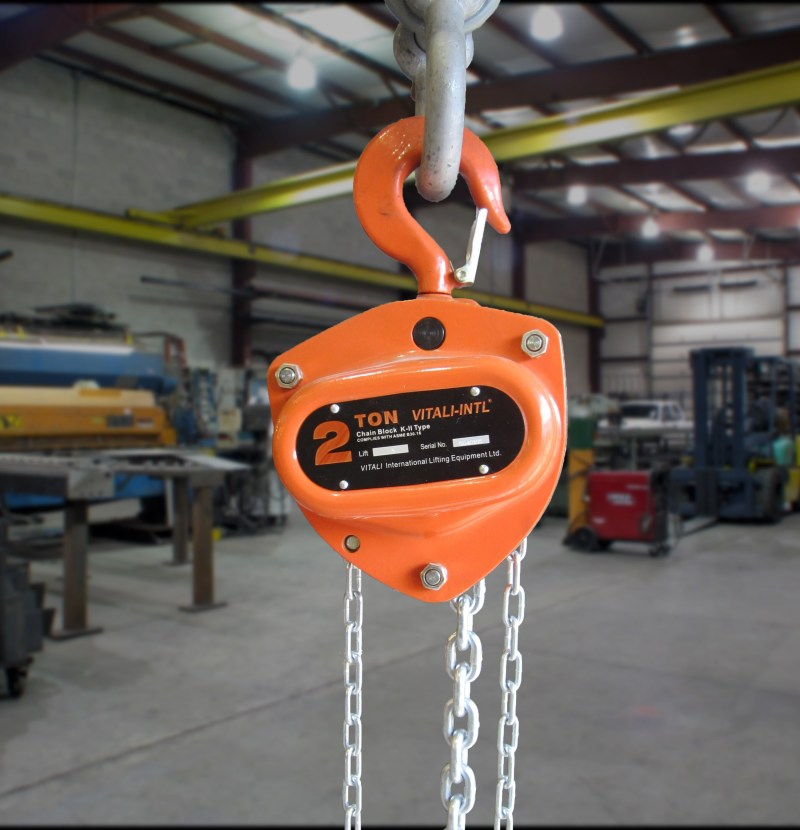 29 - chain hoist with background
