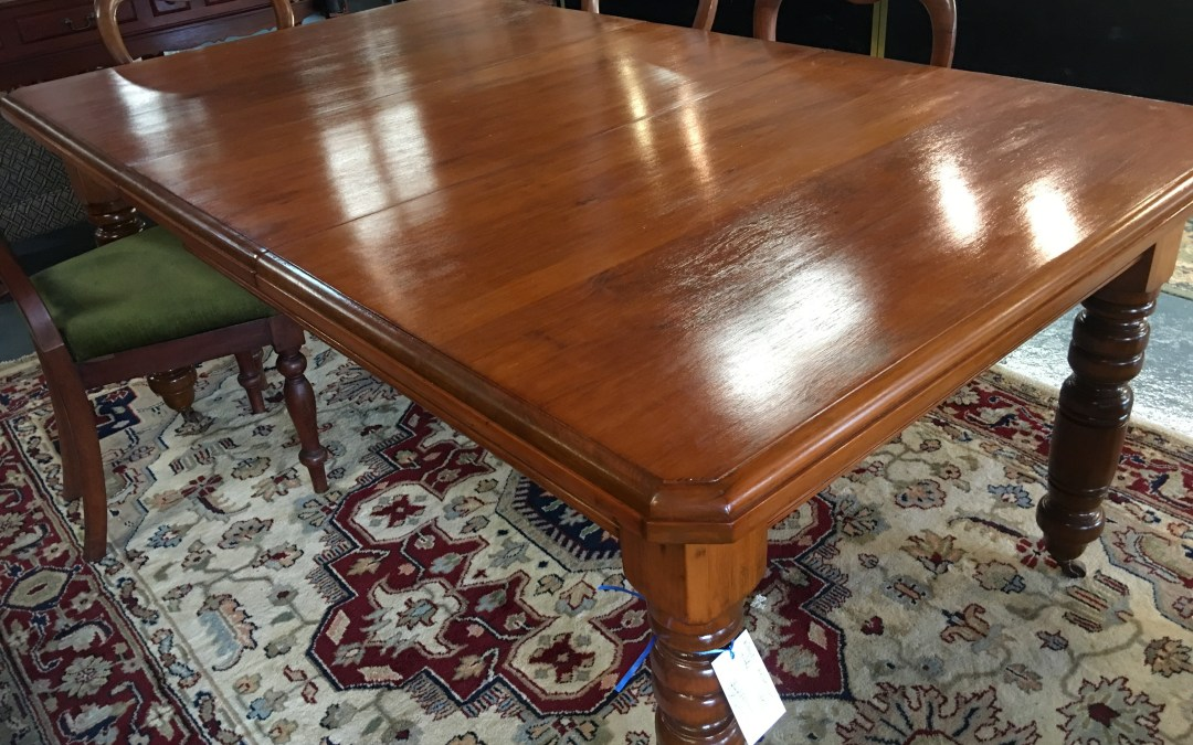 Kauri extension table