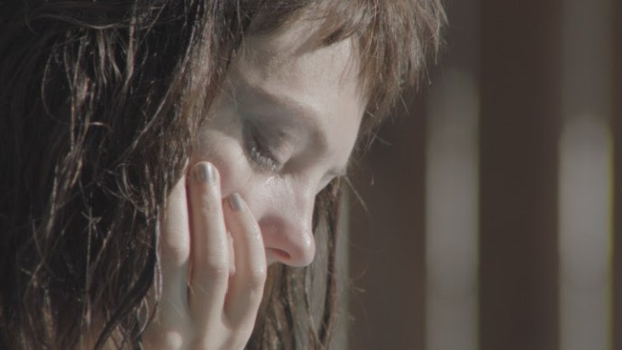 """Angel Olsen releases Video For her New Single, """"Sister"""". The track comes off her Album 'My Woman'"""