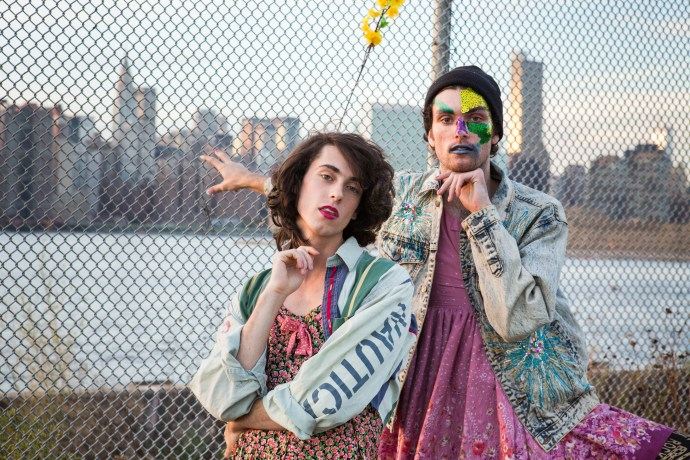 """PWR BTTM share new track """"Answer My Text"""""""