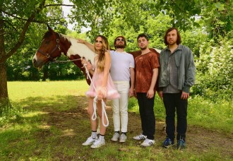 "Speedy Ortiz announces new LP 'Twerp Verse', share first single ""Lucky 88"""