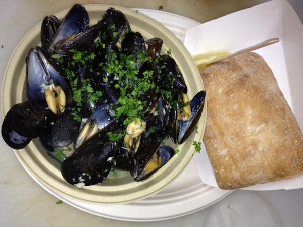 Long Ireland Celtic Ale steamed mussels