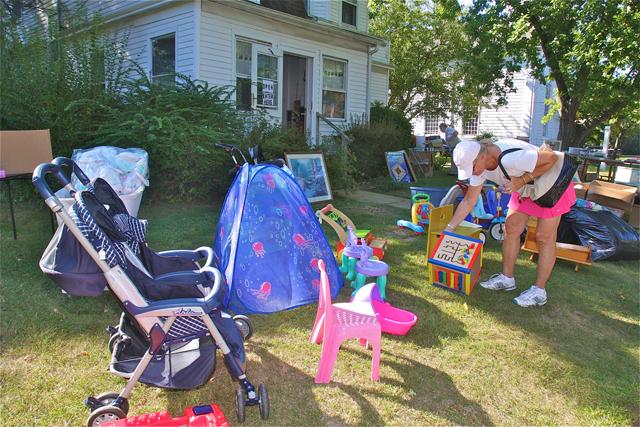 yard sale north fork garage tag