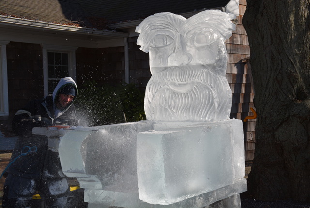 Rich Daly Ice Carver