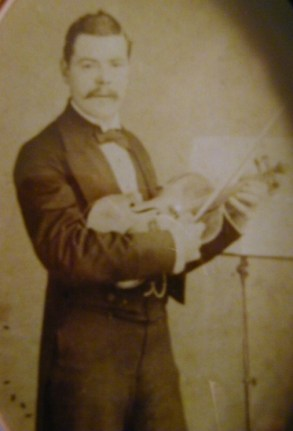 Young WJ Horsman with Violin