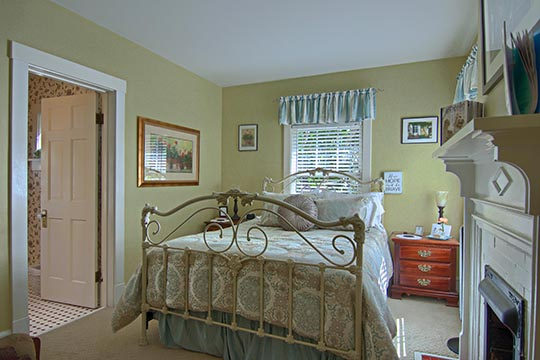 Asheville Bed & Breakfast Queen Guest Room