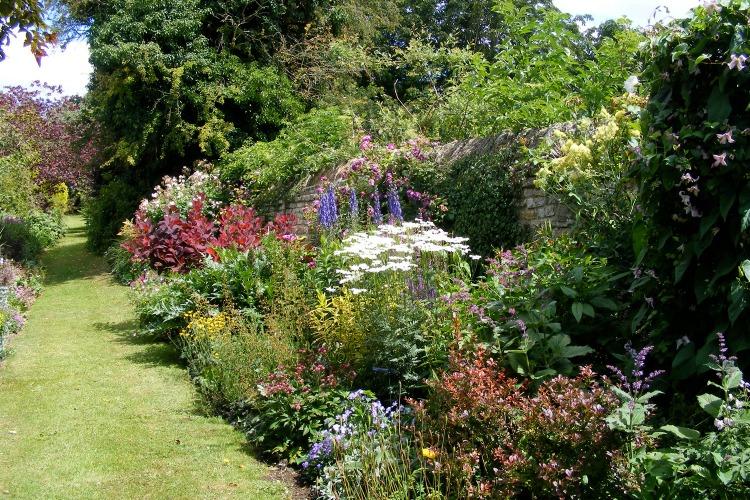 Border Garden Acres End