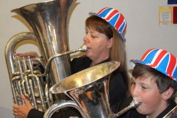 Academy Understudies perform before the Proms