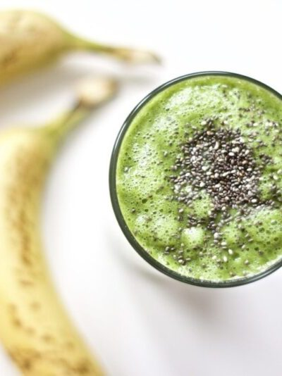 Reach your fitness goals and burn more fat with this antioxidant rich green smoothie recipe. Great for postpartum, post workout, and so much more. Pregnancy | Health | Fitness | Raw | Vegan | Gluten-Free | Paleo | Whole30 | Green Smoothie | Recipe | Healthy | Weight Loss | Superfood | Fat Burning | Metabolism | Immune System | Healthy | Easy | Breakfast | Immune Boosting | Blender Recipe | Green Drink | Dairy Free Smoothie | Anti inflammatory | Anti aging |