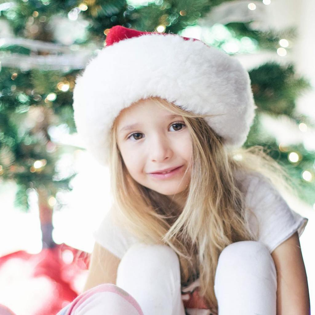 This holiday gift guide will include cute, fun, and creative ways to play, with some gifts being functional, practical, and enjoyable. Motherhood | Parenting | Style | Children | Kids | Christmas | Holiday | Gift Guide | Toys | Gift Ideas |