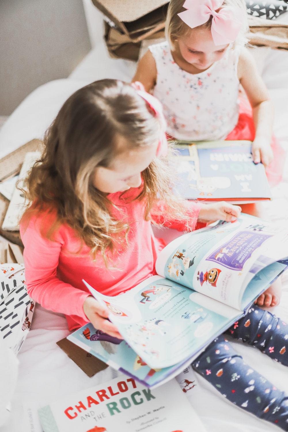 Lillypost is a book subscription service (in Canada and the US) to help build your child's library and encourage little readers to keep on reading. Read the review! Motherhood | Parenting | Subscription Box | Learn to Read | Babies | Toddlers | Board books | Picture books | Save money | Affordable | Preschool | Elementary School | Learning | Education | Modern Parenting |