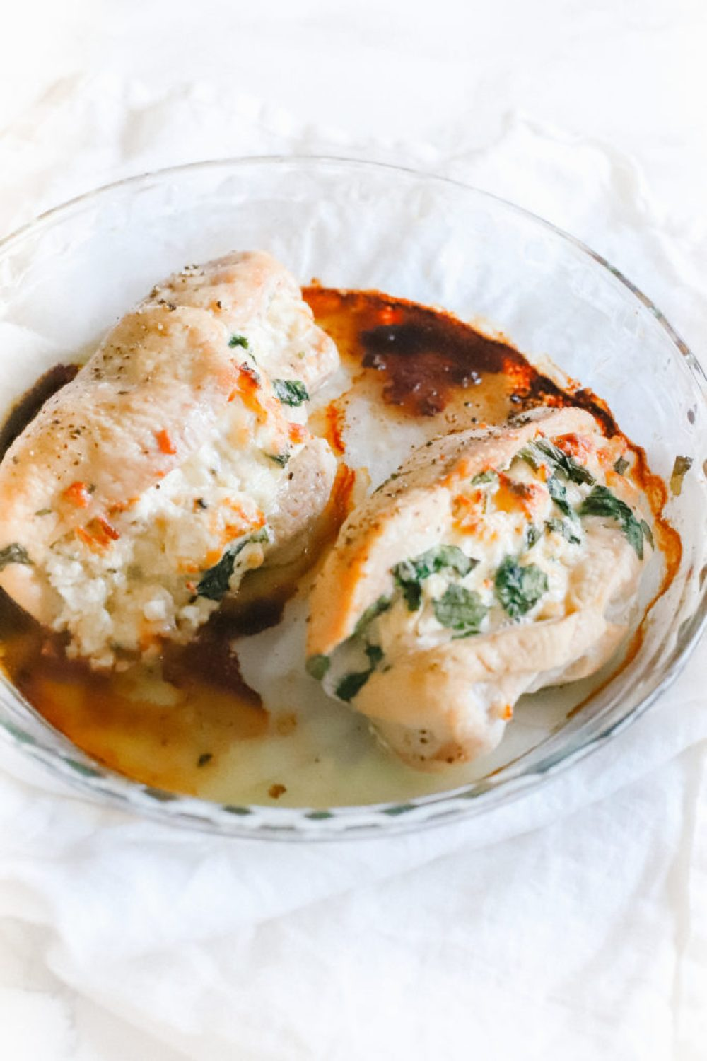 Spinach and cream cheese stuffed chicken is an easy dinner recipe that's gluten-free, low carb and keto friendly! Oven baked, simple and deliciously seasoned. Keto Dinner Recipes | Easy Chicken Recipe | Low Carb | Ketogenic | Gluten-Free | Baked Stuffed Chicken | Spinach Stuffed Chicken | Stuffed Chicken Breasts | Baked Stuffed Chicken | Main Course | Weight Loss | Seasoned Chicken | Filling | Pocket |