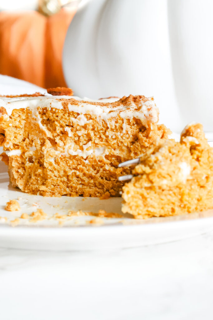 This pumpkin pie cake is just like the real thing, except homemade, healthy, and refined sugar free. The most scrumptious low carb and keto dessert for fall and Thanksgiving. Pumpkin Spice | Fall Recipes | Fall Desserts | Pumpkin Pie Dessert | Sugar Free | Gluten-Free | Autumn | Halloween | Thanksgiving | Pumpkin Cake | Snack | Healthy | Weight Loss | Ketogenic | Keto Pumpkin Recipe | Low Carbs | Crustless Pie |