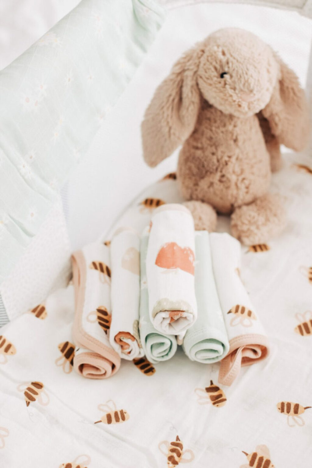 Save money on baby products by using a muslin swaddle blanket in different ways. Practical, multifunctional and a newborn must have! Newborn Essentials | Baby Products | Baby Must Haves | Motherhood | Frugal Living | Swaddling | Swaddle Blankets | Useful Tips | New Moms | Bassinet | Nursery Decor | Nursing | Car Seat Cover | Washcloths | Gender Neutral Amazon | Nightingale Baby |