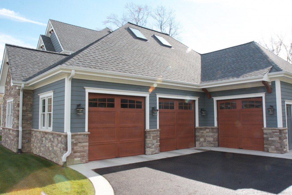 Update Your Home's Exterior With Stone Veneer