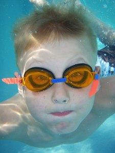 art-0613-swimming