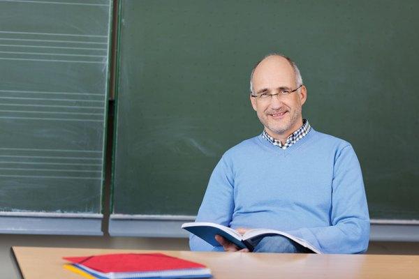 art-0814-teacher