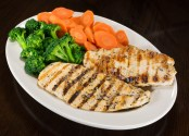 Grilled Chicken with Steamed Broccoli and Carrots