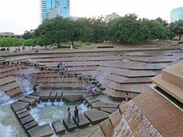 Fort Worth Water Gardens - free things to do in Ft. Worth - North Texas Kids Magazine