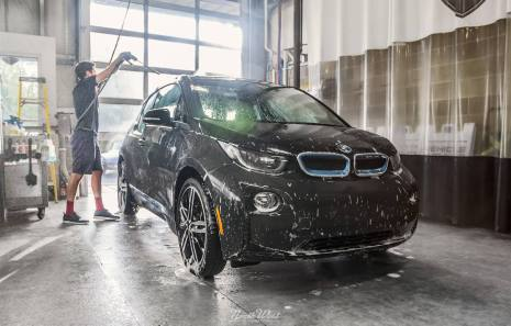 NorthWest-Auto-Salon-YIR-2015-BMW-i3-handwash
