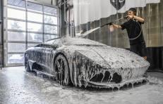 NorthWest-Auto-Salon-YIR-2015-Lamborghini-Murci-snow-foam