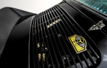 Porsche-911-backdate-outlaw-black-gold-stripes-targa-california-badge