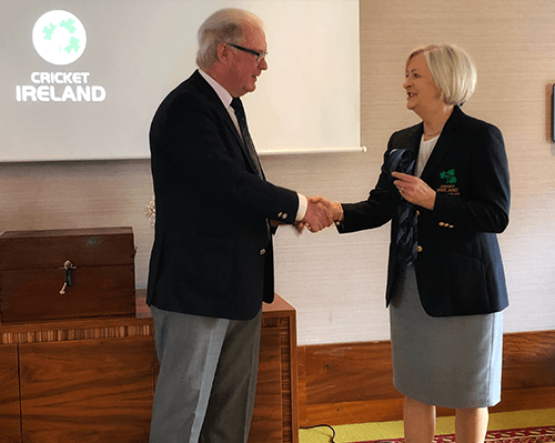 Brian-Walsh-hands-over-to-Aideen-Rice