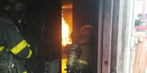 Image shows realistic firefighting training at Seafarer Worldwide
