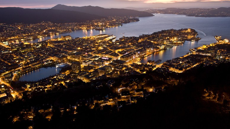 Night in Bergen city