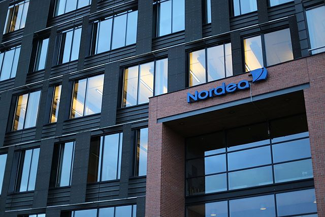 Nordea lowers interest rates