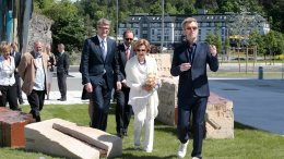 Queen Sonja open the sculpture park.