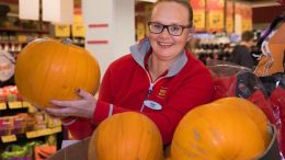 Store Manager Hege Engevold at Extra Bjerke in Oslo