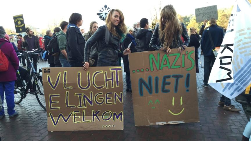 Pro-refugee demonstrators, The Hague, 1 November 2015