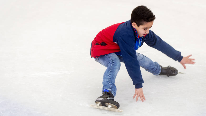 Learning to skate is not easy in the beginning, photo: ANP