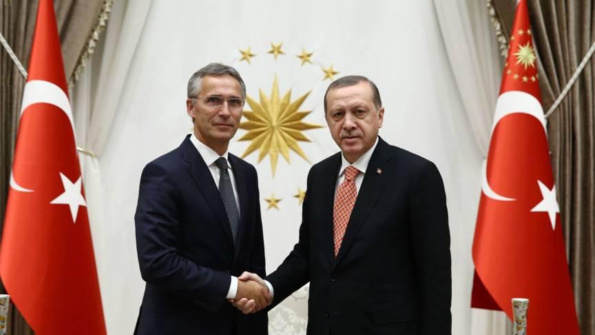 Stoltenberg and Erdogan, AFP photo