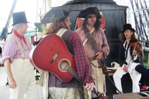 Los piratas en el Liberty (Salem, 2015)