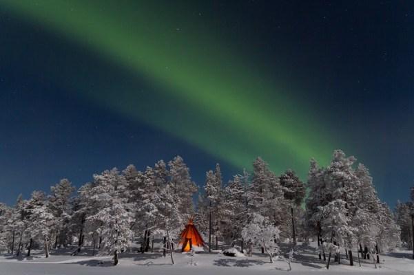 El Blog de Finlandia nos trae imágenes como estas auroras boreales. Tendremos suerte y conseguiremos verlas?
