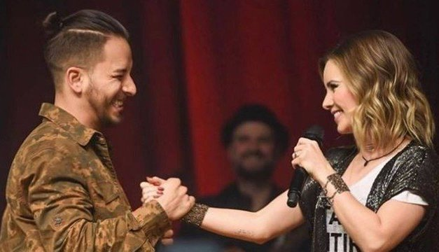 Sandy e Junior mudam letra de Maria Chiquinha em show