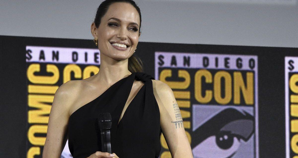 Angelina Jolie é criticada ao não comparecer em Festival de Cinema do Camboja