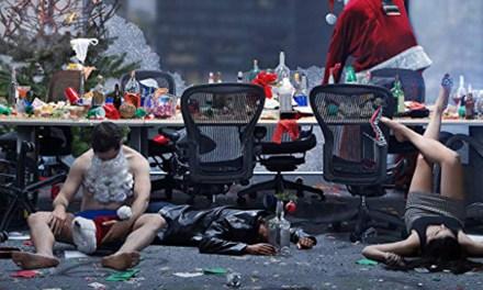Crítica | A Última Ressaca do Ano – Uma festa insana