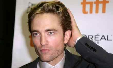 The Batman | Robert Pattinson está lendo as hqs do herói como preparação para o papel