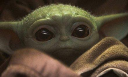 J.J. Abrams fala sobre o impacto do Baby Yoda sobre os fãs em The Mandalorian