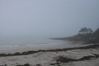Plage de Port-Navalo sous la brume