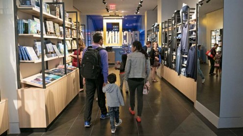 20 National Geographic Encounter, Retail