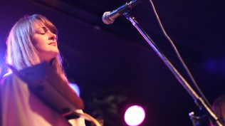 The-Staves-Chicago-Schubas-Adrienne-Thomas10
