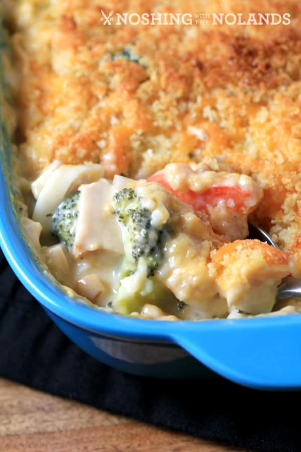 Cheesy Chicken Broccoli Noodle Casserole